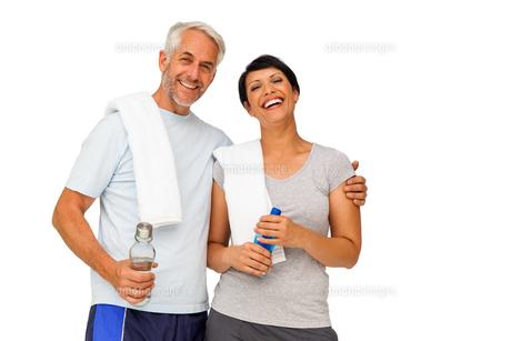 Portrait of a happy fit coupleの写真素材 [FYI00001666]