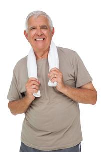 Portrait of a senior man with towelの写真素材 [FYI00001675]