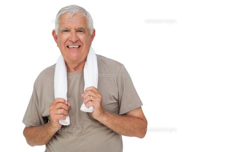 Portrait of a senior man with towelの写真素材 [FYI00001676]