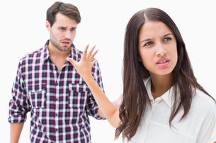 Angry brunette not listening to her boyfriendの写真素材 [FYI00002597]
