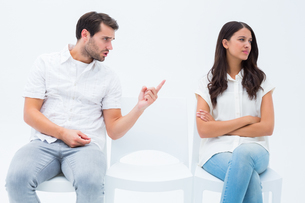 Man pleading with angry girlfriendの写真素材 [FYI00002604]