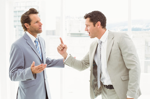 Business colleagues in argument at officeの写真素材 [FYI00003713]