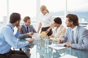 Business people in board room meetingの写真素材 [FYI00003724]