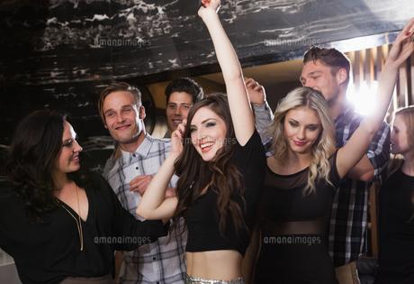 Happy friends having fun togetherの写真素材 [FYI00004264]
