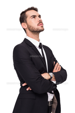 Thinking businessman with his arms crossedの写真素材 [FYI00004578]