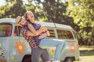 Hipster couple having fun togetherの素材 [FYI00005542]