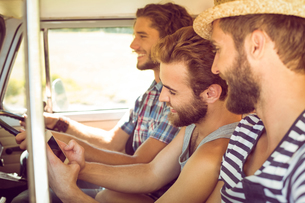 Hipster friends on road tripの写真素材 [FYI00005582]