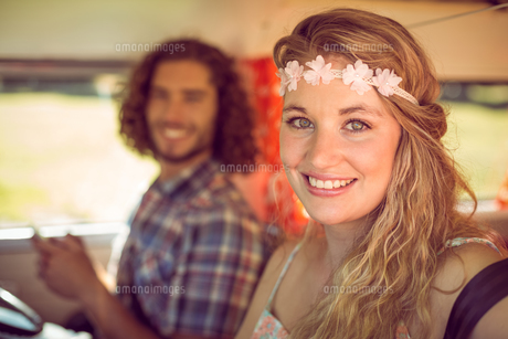 Hipster couple on road tripの写真素材 [FYI00005592]