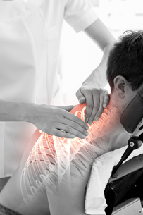 Highlighted spine of man at physiotherapyの写真素材 [FYI00006289]