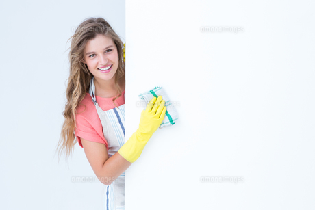 Hipster woman cleaning posterの素材 [FYI00006442]