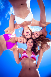 Beautiful women standing in circleの写真素材 [FYI00006920]