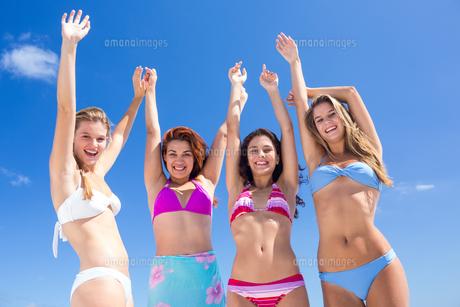 Beautiful women having funの写真素材 [FYI00006929]