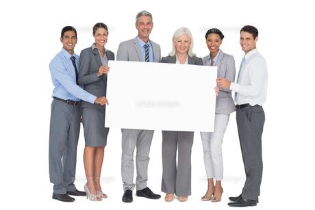 business people holding blank boardの素材 [FYI00007526]