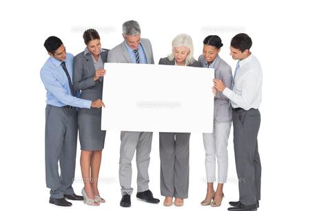 business people holding blank boardの素材 [FYI00007528]
