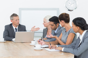 Business people in board room meetingの写真素材 [FYI00007577]
