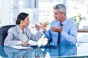 Business people having argumentの写真素材 [FYI00008048]