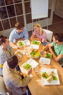 Business people having lunchの写真素材 [FYI00008139]