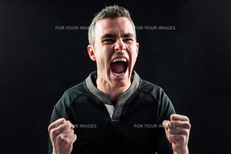 Excited rugby player yelling outの写真素材 [FYI00008646]