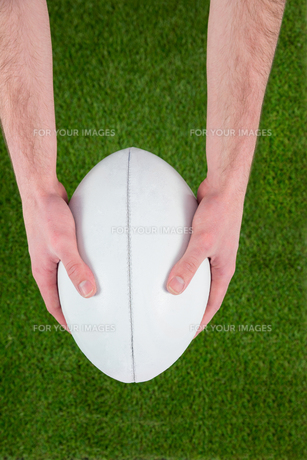 Rugby player catching a rugby ballの写真素材 [FYI00008662]