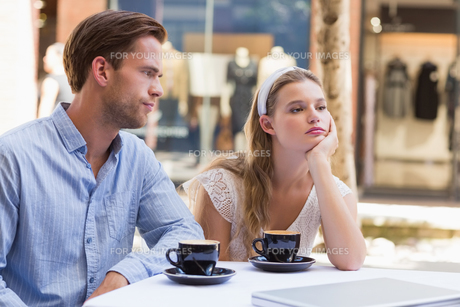 Cute couple facing relation difficultiesの写真素材 [FYI00008938]
