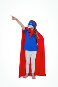 Masked girl pretending to be superheroの写真素材 [FYI00009868]