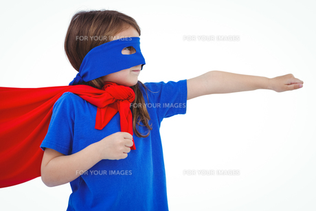 Masked girl pretending to be superheroの素材 [FYI00009881]