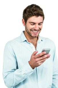 Handsome man using smartphoneの素材 [FYI00010116]