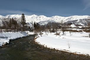 大出公園から望む冬の白馬三山の写真素材 [FYI00023601]