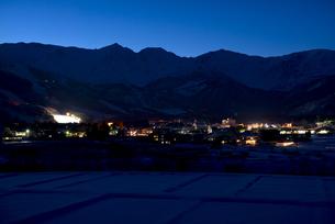 冬の白馬の夜景の写真素材 [FYI00023608]