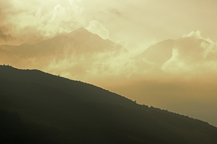 黄昏の杓子岳と白馬鑓ヶ岳の素材 [FYI00023661]