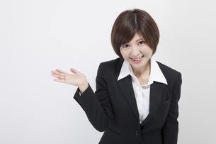 女性会社員の素材 [FYI00023957]