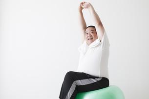 中年男性のダイエットの写真素材 [FYI00024003]