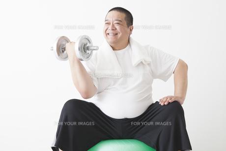 中年男性のダイエットの写真素材 [FYI00024005]
