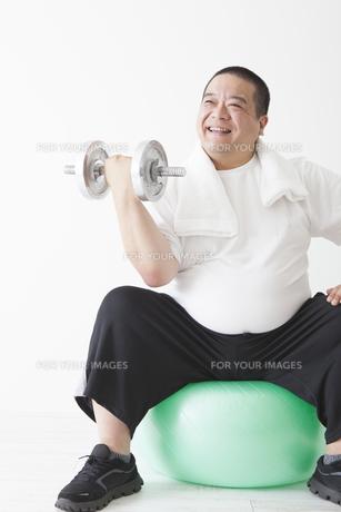 中年男性のダイエットの写真素材 [FYI00024008]
