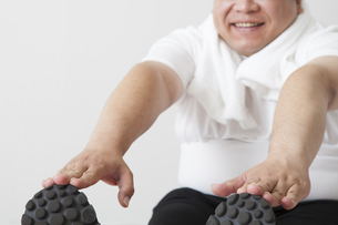 中年男性のダイエットの写真素材 [FYI00024009]