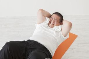 中年男性のダイエットの写真素材 [FYI00024016]