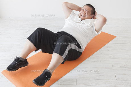 中年男性のダイエットの写真素材 [FYI00024018]