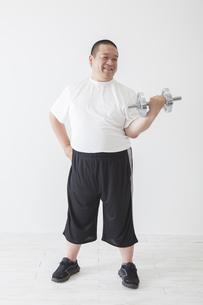 中年男性のダイエットの素材 [FYI00024030]