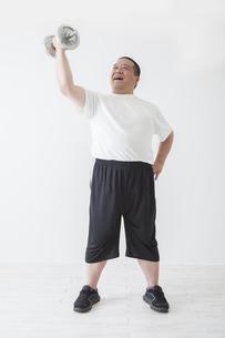 中年男性のダイエットの写真素材 [FYI00024034]