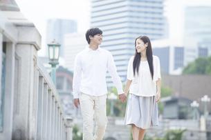 若い男女のカップルの素材 [FYI00024340]