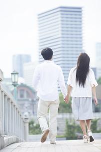 若い男女のカップルの素材 [FYI00024341]