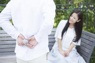若い男女のカップルの素材 [FYI00024347]