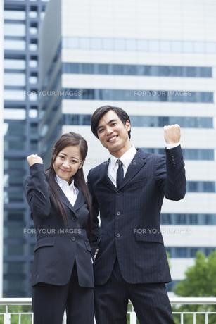 若い会社員の男女の素材 [FYI00024389]