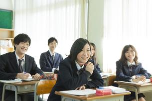 授業を受ける高校生たちの素材 [FYI00024490]