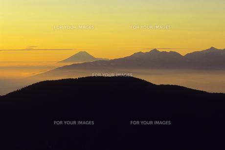 あかつきの富士遠景、Fuji distant view of Akatsuki,の素材 [FYI00024770]