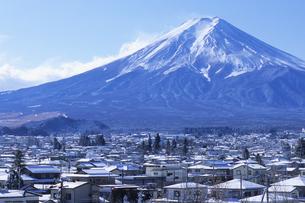 雪晴れの富士、Of snow sunny Fujiの写真素材 [FYI00024835]