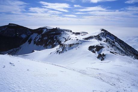 銀色の富士山頂、Silver Fuji summitの素材 [FYI00024867]