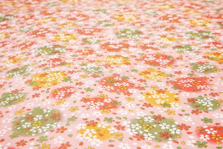 花柄の千代紙の素材 [FYI00025239]