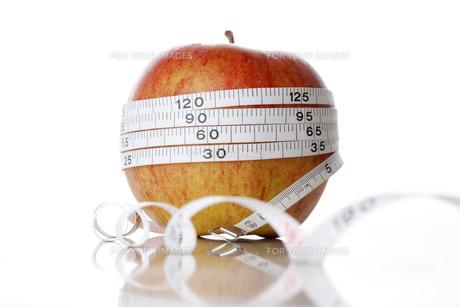 リンゴダイエットイメージの写真素材 [FYI00025264]