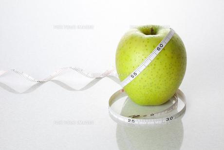 リンゴダイエットイメージの素材 [FYI00025275]